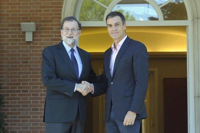 Mariano Rajoy se reúne con Pedro Sánchez en Moncloa