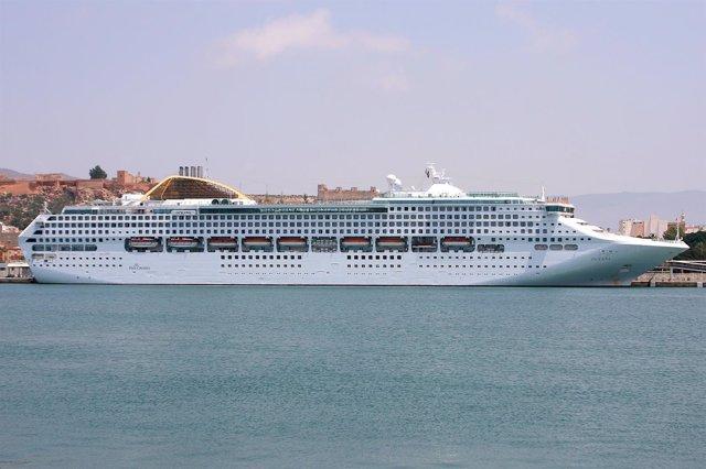 Buque 'Oceana' En El Puerto De Almería