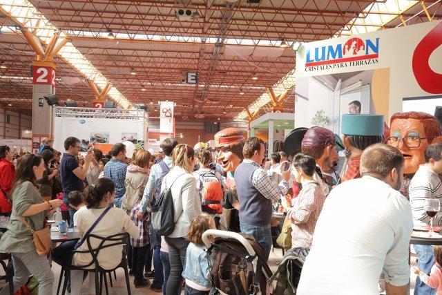 Cabezudos en la Feria General.