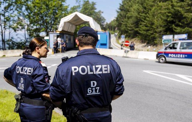 Policías austriacos