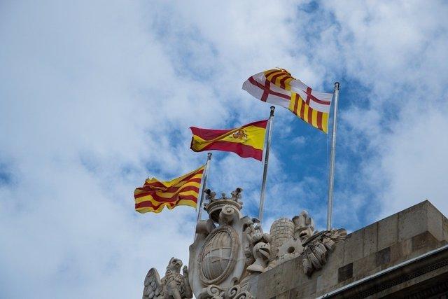 Banderas de España, Cataluña y Barcelona