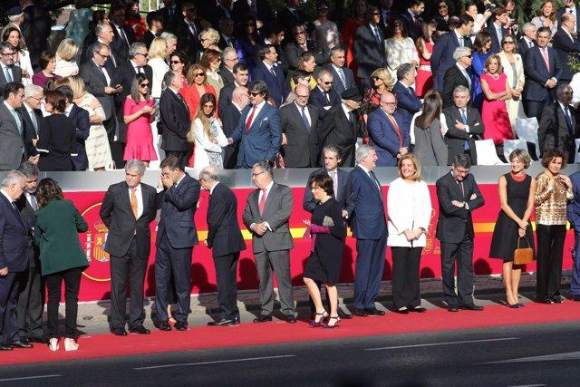 Los ministros del Gobierno de Rajoy durante el desfile de la Hispanidad