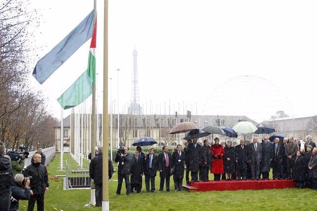 Izado De La Bandera De Palestina En La UNESCO, En París