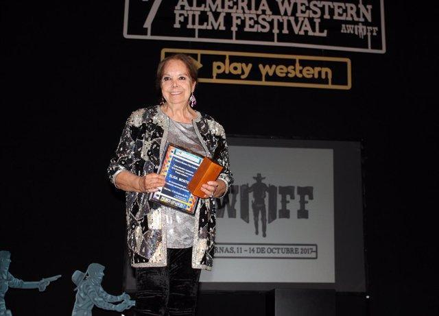La actriz Elisa Montés recibe el premio Asfaan en Tabernas (Almería)