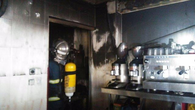 Incendio en un bar de Ubrique (Cádiz)