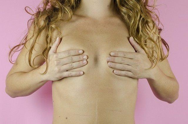Campaña del Ayuntamiento de El Prat para la detección del cáncer de mama