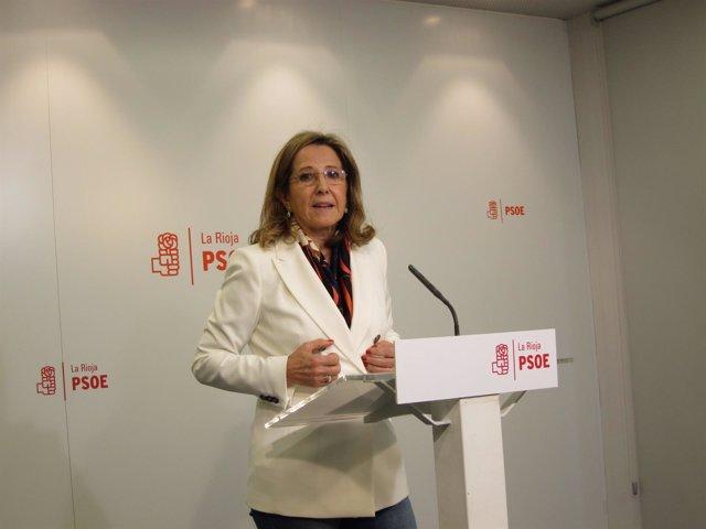 La secretaría de Educación, Teresa Villuendas analiza situación Cervera