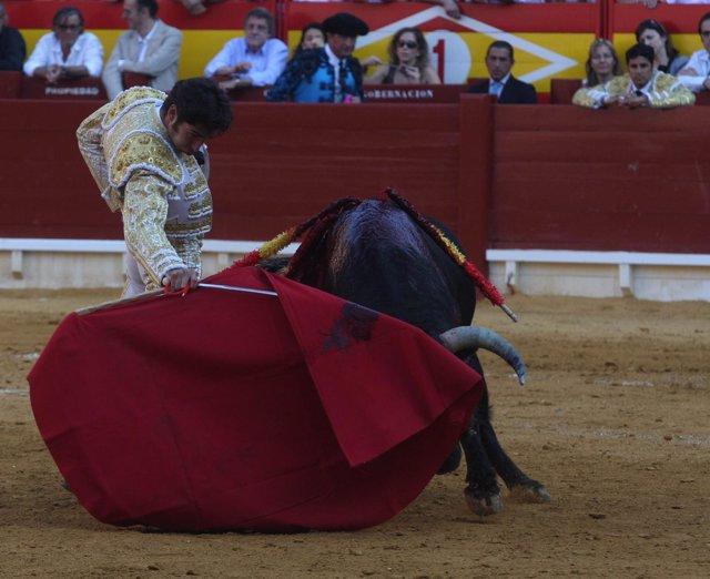 Cayetano Rivera toreando