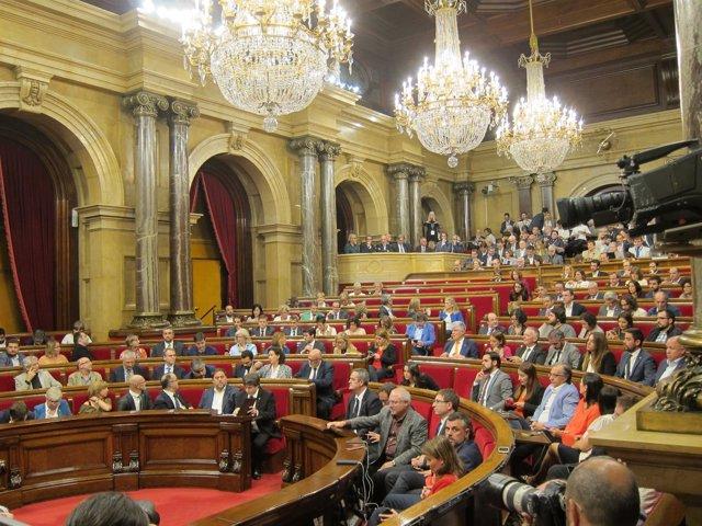 El pleno del Parlament antes de la declaración del pte.C.Puigdemont