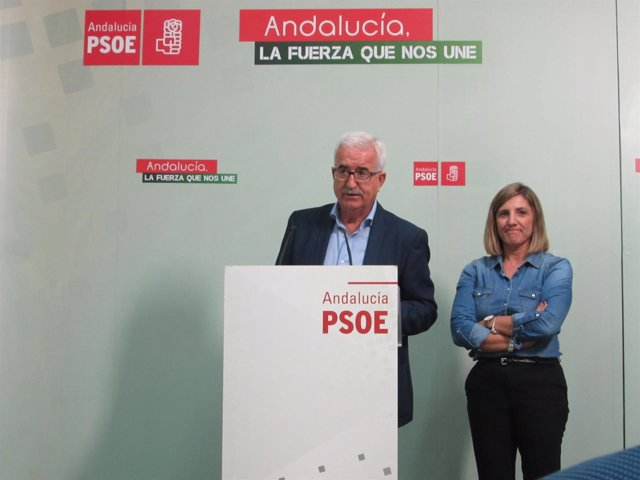 Manuel Jiménez Barrios en rueda de prensa en Cádiz