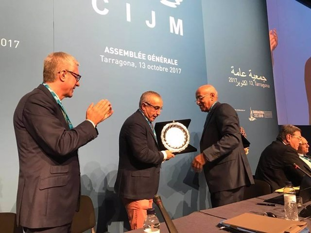 Alejandro Blanco junto a Amar Adaddi (CIJM) y Ballesteros, alcalde de Tarragona