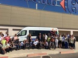 Fundación Solidaridad Carrefour dona dos furgonetas a la Confederación ASPACE