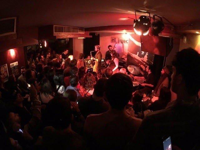Actuación en la sala El Junco