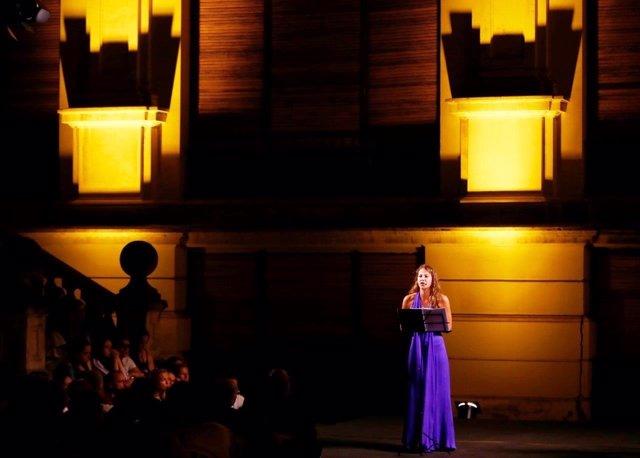 Nota Y Foto / La Consejería De Cultura Inaugura La Temporada Del Teatro Alhambra