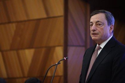 """Draghi pide vigilar el """"alto"""" endeudamiento de los hogares y la """"boyante"""" dinámica del mercado inmobiliario"""