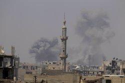 La coalició confirma una rendició en massa de gihadistes però no dóna un calendari per l'alliberament de Raqqa (REUTERS / ZOHRA BENSEMRA)