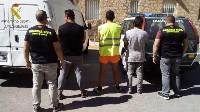 Tres detenidos por robar 46.000 kilos de material de obra en ...