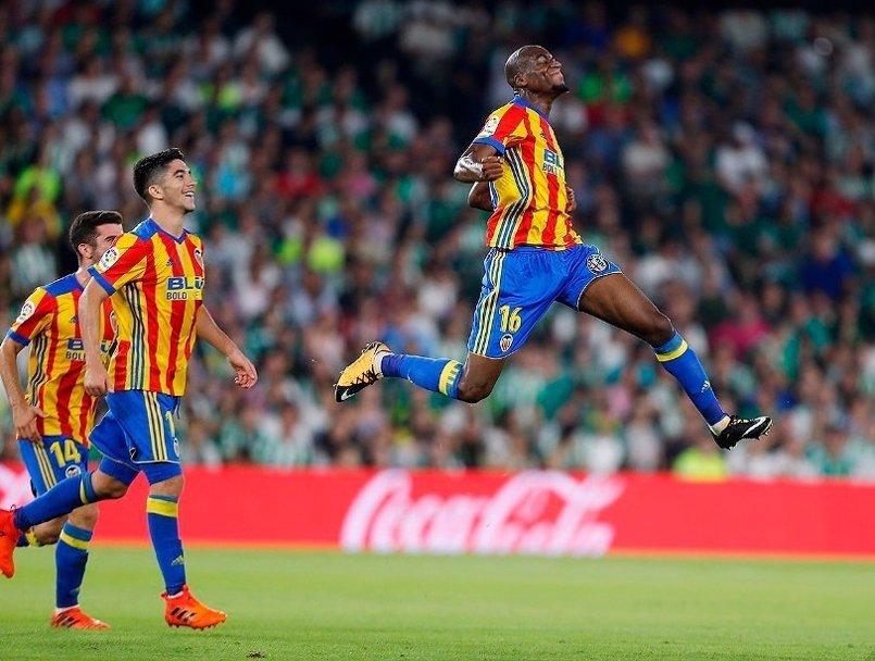 El Valencia asalta el Villamarín y el Leganés entra en Europa