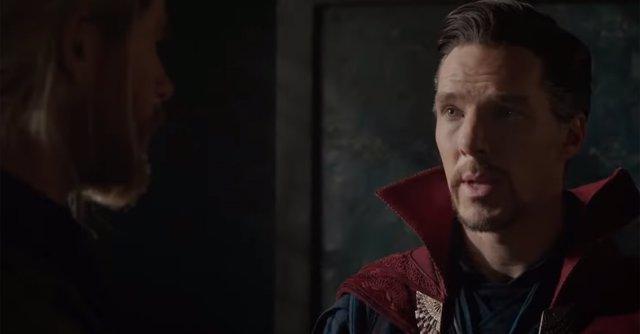 Doctor Extraño con Thor en Ragnarok