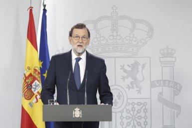 """Rajoy diu a Puigdemont que """"encara té marge"""": """"Si no, serà l'únic responsable d'aplicar la Constitució"""" (Europa Press)"""