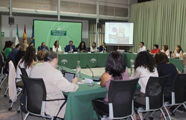 Rodrigo Sánchez Haro, con asociaciones de mujeres de áreas rurales.