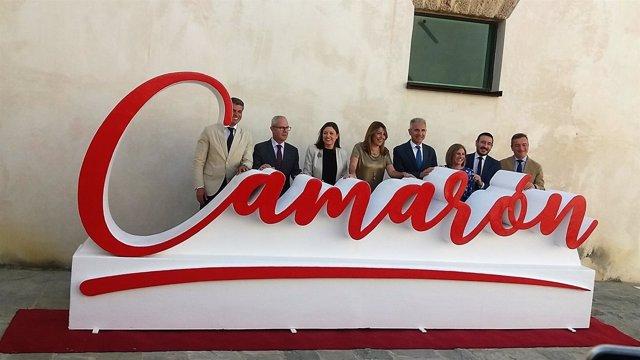 Firma protocolo para el Museo Camarón, con Susana Díaz