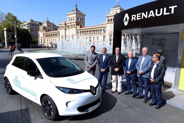 Nuevo ZOE entregado por Renault al Ayuntamiento de Valladolid