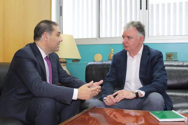 1 Nota Y 1 Foto Junta (Reunión Presidente Puerto Huelva)
