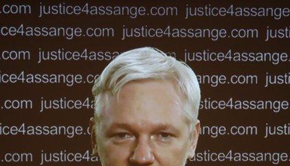"""Assange acusa a España de crear sus """"primeros prisioneros políticos"""""""