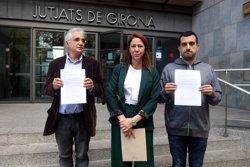L'Ajuntament de Girona, Òmnium i l'ANC presenten la denúncia contra l'Estat pels empresonaments de Sánchez i Cuixart (ACN)