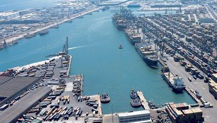 Els vaixells policials atracats a Barcelona allarguen estada fins al 2 de novembre