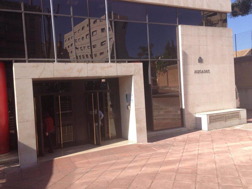 Fiscalía mantiene su petición de cárcel para los acusados por la muerte de una joven haciendo puenting en Granada
