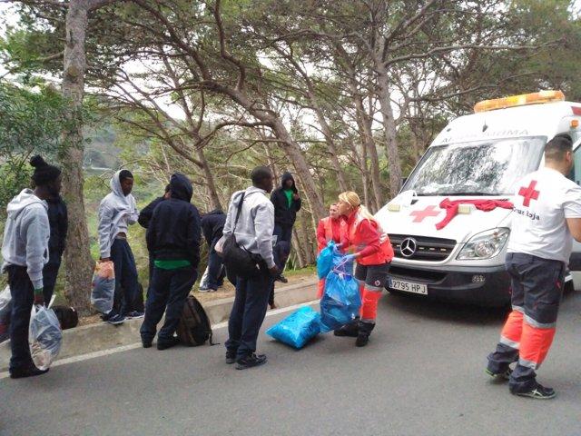Migrantes rescatados en Ceuta