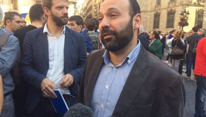 """Òmnium demana la llibertat de Sànchez i Cuixart, detenir la """"repressió"""" i optar pel diàleg"""