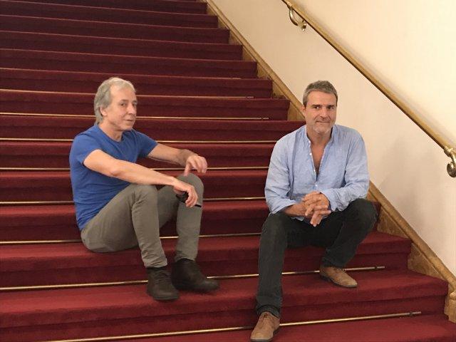 El músic Fernando Egozcue i l'actor Alberto San Juan en el T.Romea