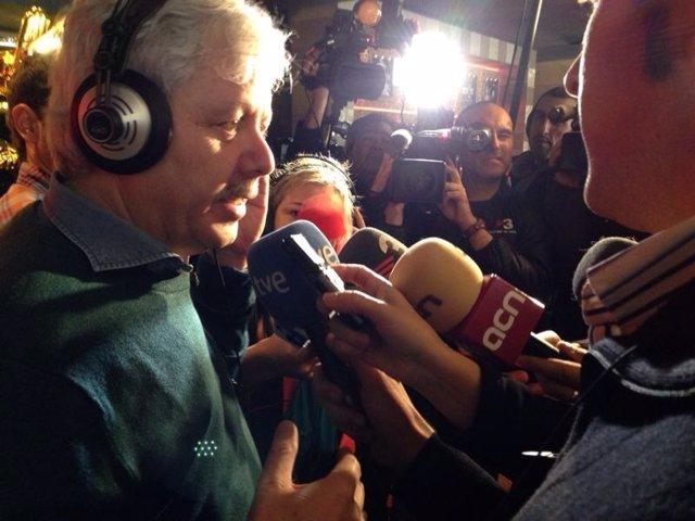 Xavier Grabiel, de la Bruixa d'Or de Sort (Lleida) tras la Lotería de Navidad
