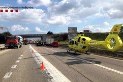 ACTUALIZACIÓ:Un ferit greu i dos de lleus en un col·lisió amb cinc vehicles implicats al Far d'Empordà (ACN)