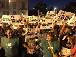Milers de persones es concentren a Barcelona per demanar la llibertat dels