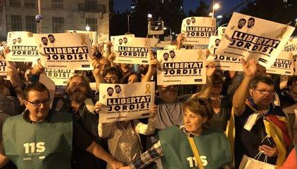 """Milers de persones es concentren a Barcelona per demanar la llibertat dels """"presos polítics"""""""