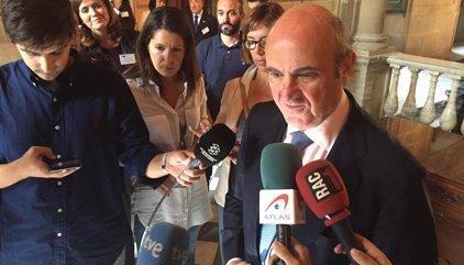 Guindos atribuye a Cataluña cinco décimas de desaceleración del PIB pero dice que se puede revertir