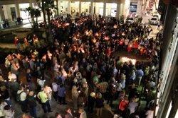 Més de mig miler de persones reclamen en silenci i amb espelmes la llibertat de Sànchez i Cuixart a Tortosa (ACN)