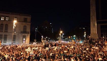 """AMP.- 1-O.- Unes 200.000 persones es concentren a Barcelona per demanar la llibertat dels """"presos polítics"""""""
