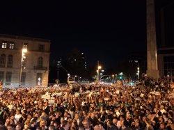 AMP.- 1-O.- Unes 200.000 persones es concentren a Barcelona per demanar la llibertat dels