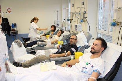 Hallan riesgos asociados a la recepción de transfusión de sangre de donantes que hayan estado embarazadas