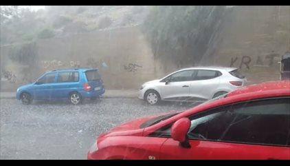 Una tromba de lluvia y granizo cae sobre Almería y la comarca del Poniente