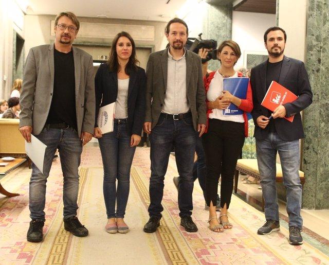 Domènech, Irene Montero, Iglesias, Yolanda Díaz y Alberto Garzón