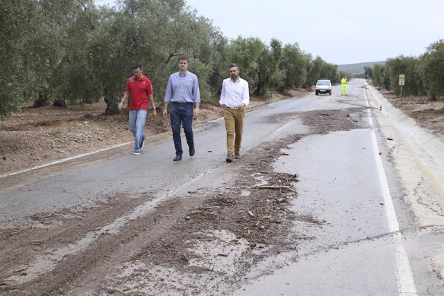 Problemas en el tráfico por la lluvia caída en la provincia de Sevilla