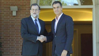 El Gobierno y el PSOE no contemplan elecciones inmediatas en Cataluña si se aplica el artículo 155
