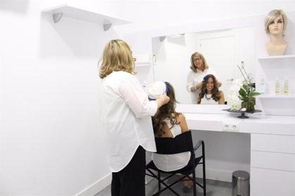 El proyecto 'Natura Hair Systems' realizará cortes de pelo solidario en el Día Internacional del Cáncer de Mama