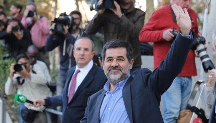Jordi Sánchez pide a un funcionario de Soto que le cambien de módulo porque otro recluso le gritó: ¡Viva España!